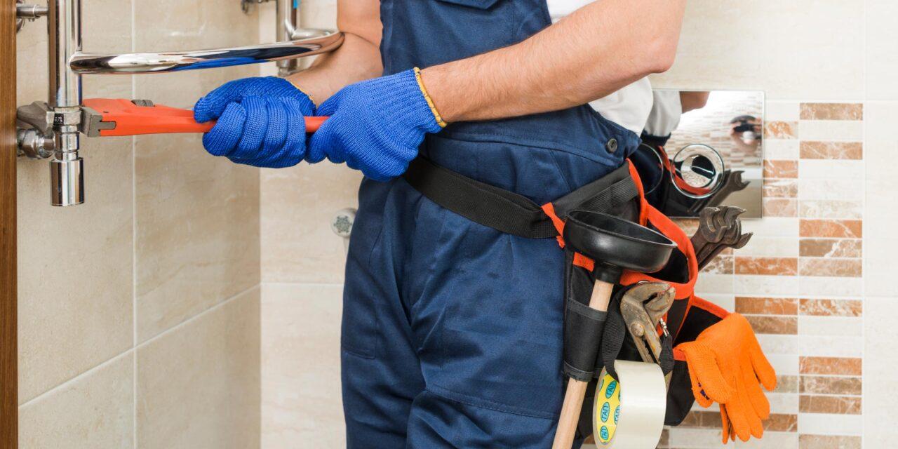 https://www.prattplumbers.com.au/wp-content/uploads/2021/01/Where-can-I-find-plumber-1280x640.jpg