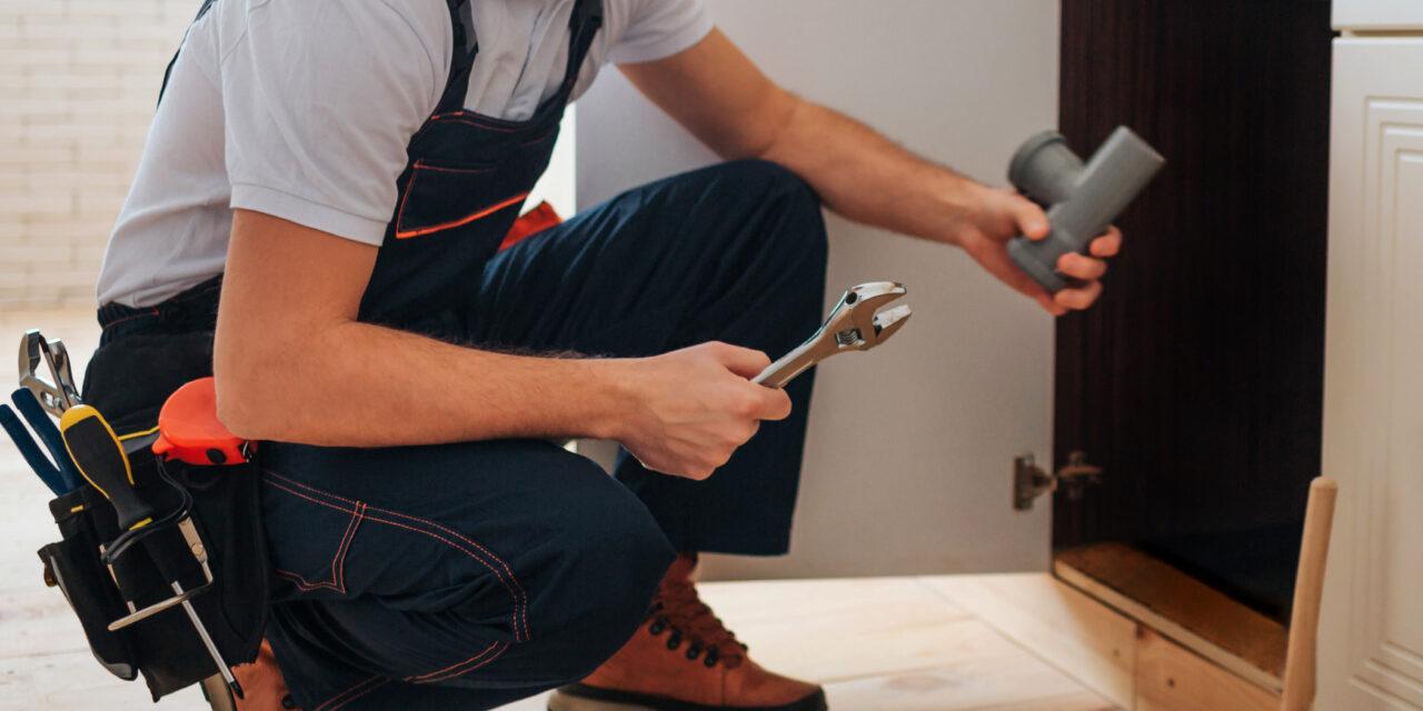 https://www.prattplumbers.com.au/wp-content/uploads/2021/02/Plumbing-Service-in-Perth-1280x640.jpg