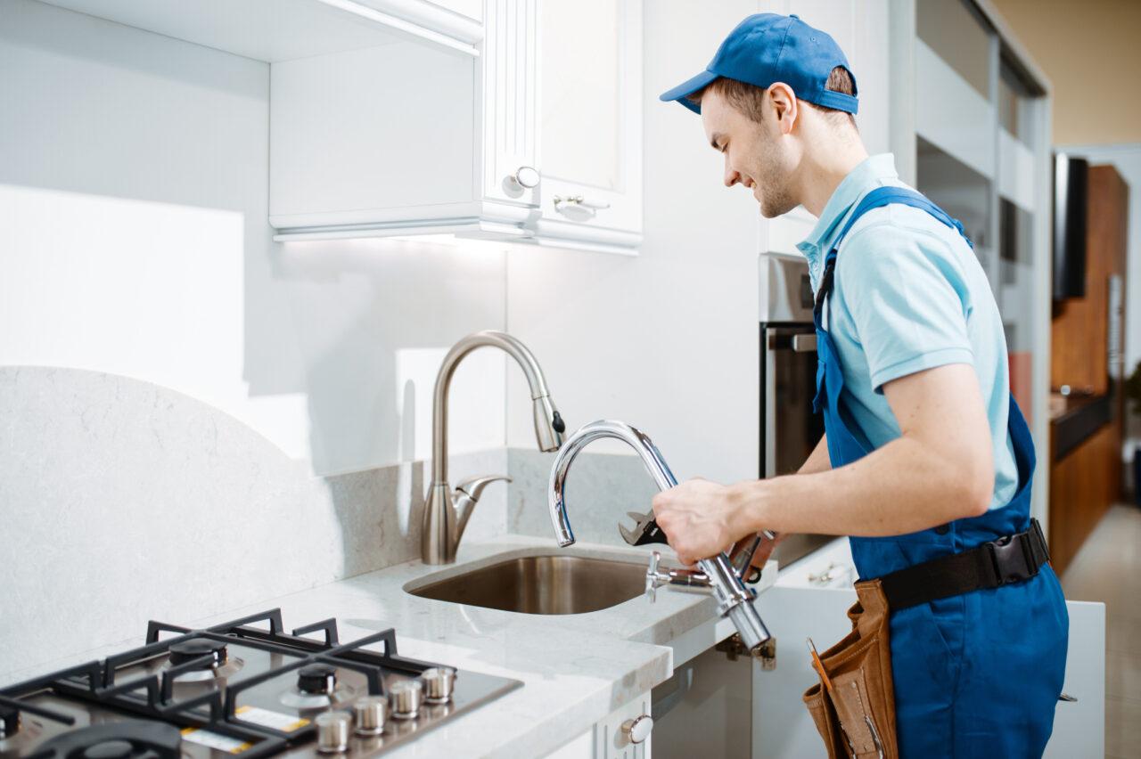 https://www.prattplumbers.com.au/wp-content/uploads/2021/04/Best-Plumbing-Service-in-Perth-1280x852.jpg